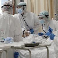 Ostuni, si traveste da infermiere per assistere il padre in ospedale: denunciato 36enne