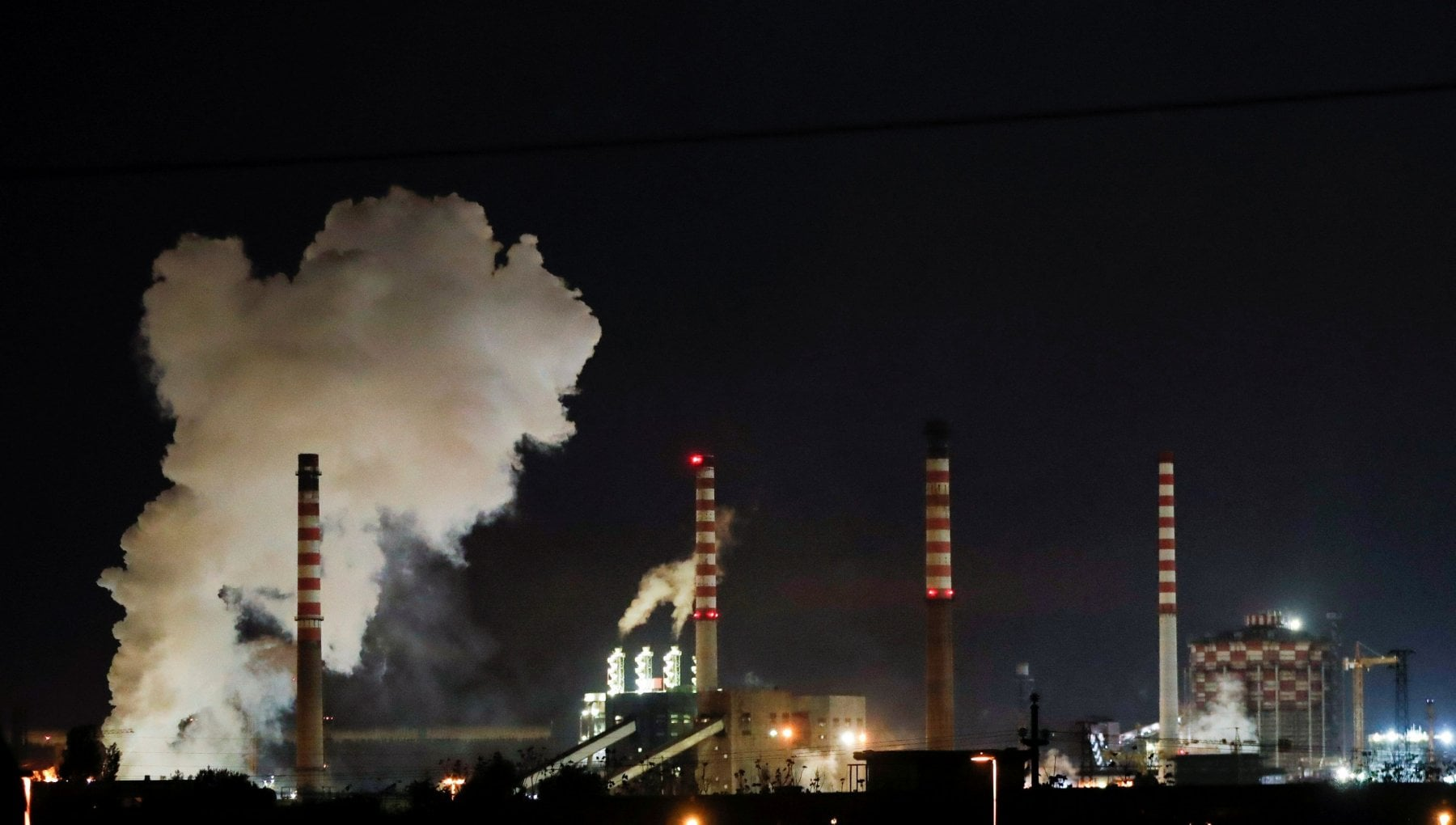 Ex Ilva, no allo stop degli impianti dell'area a caldo: il Consiglio di Stato tiene aperto il siderurgico