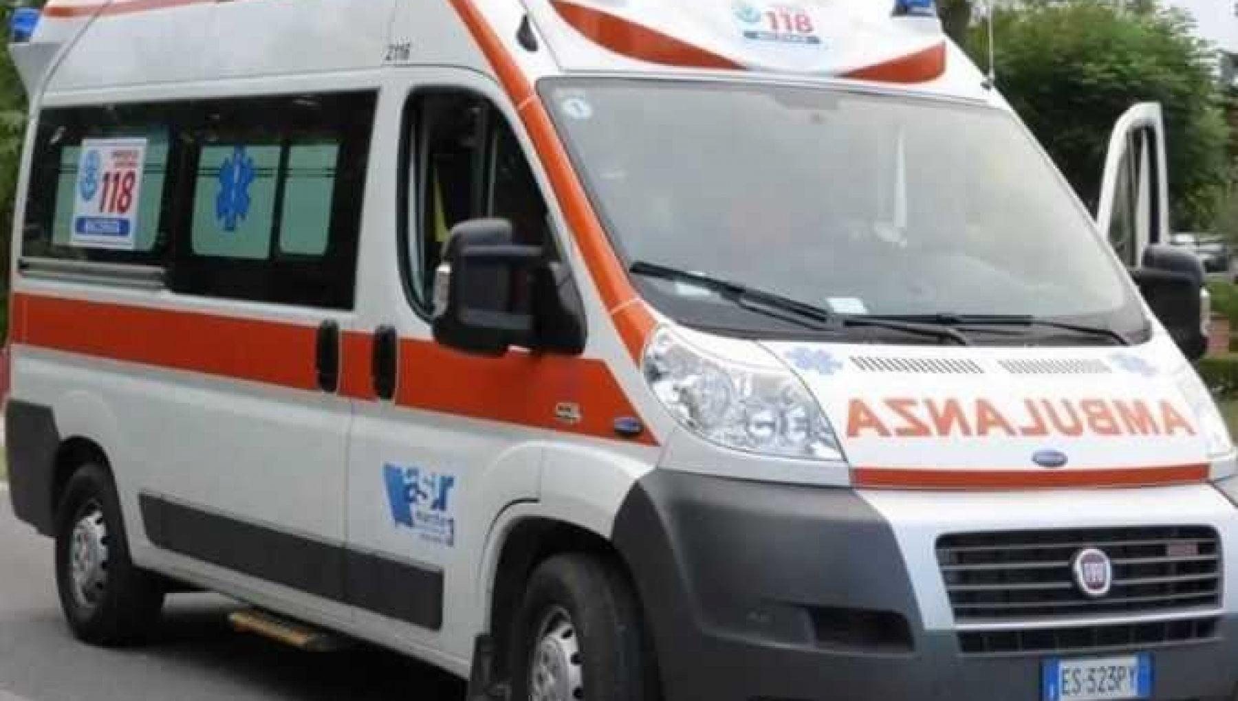 Ostuni, dimentica le chiavi di casa e sfonda la finestra con un pugno: 54enne muore dissanguato