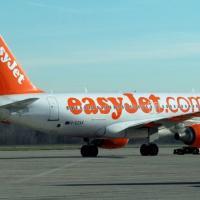 Brindisi, l'aereo per Malpensa rimane a secco e per i passeggeri è un'odissea: