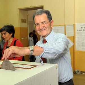 """Prodi: """"Renzi è passato dalla rottamazione alla differenziata"""