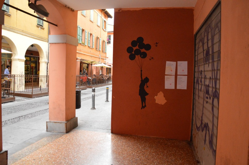 I writer scrivono in versi: sui muri spuntano poesie