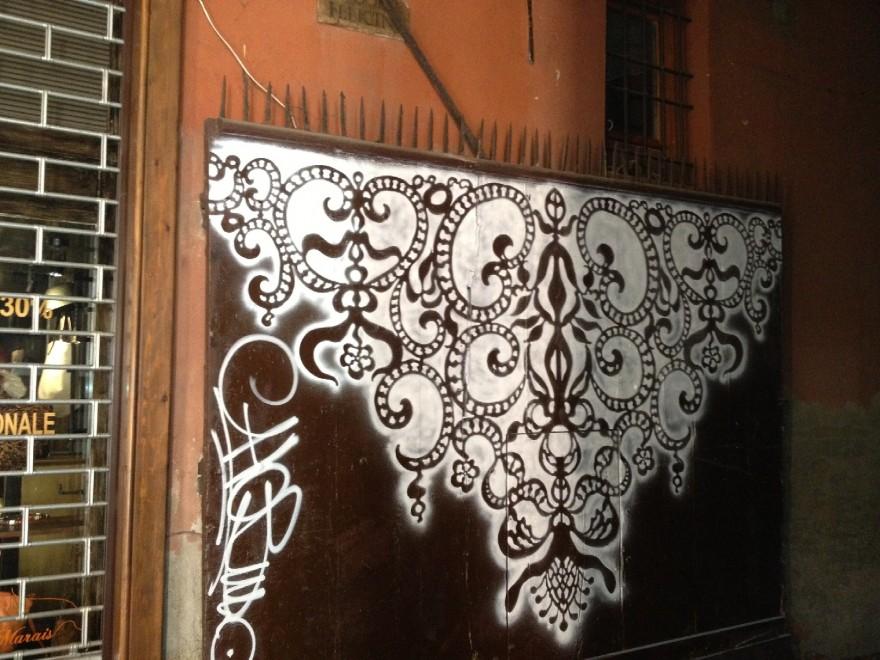 Dallo stencil al perugino nuove decorazioni sui muri 1 di 2 bologna - Decorazioni sui muri ...