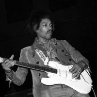 Da Jimi Hendrix a Lou Reed e Bob Dylan: la mostra sui miti del rock che hanno infiammato Bologna