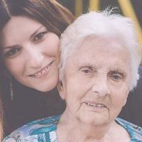Laura Pausini ricorda la nonna