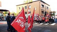 Maserati, l'assemblea  sindacale si fa in strada