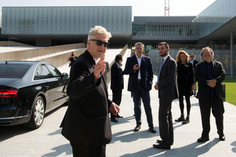 Lynch a Bologna delude tutti: solo pochi minuti di lezione agli studenti