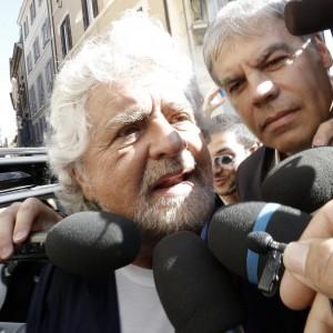 """""""Si è fatto eleggere in provincia"""": Grillo espelle il sindaco di Comacchio che risponde: """"Deriva fascista"""""""