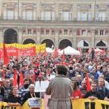 """Ragazza denuncia: """"Molestata  da manifestanti della Cgil"""" Il sindacato: rigurgiti sessisti"""