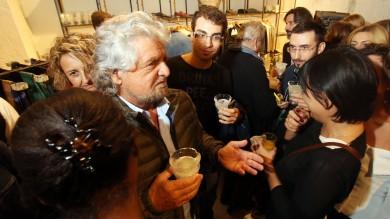 Prodi e Grillo incontro sfiorato all'inaugurazione