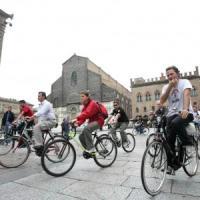 """""""Basta furti di biciclette"""", la protesta delle due ruote si riprende piazza Verdi"""