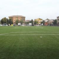 Mirandola, da tendopoli a campo da calcio