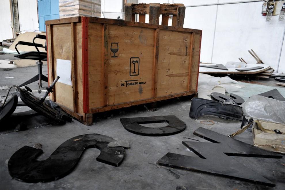 Ruggine polvere carcasse d 39 auto la de tomaso cimitero for Ruggine bologna