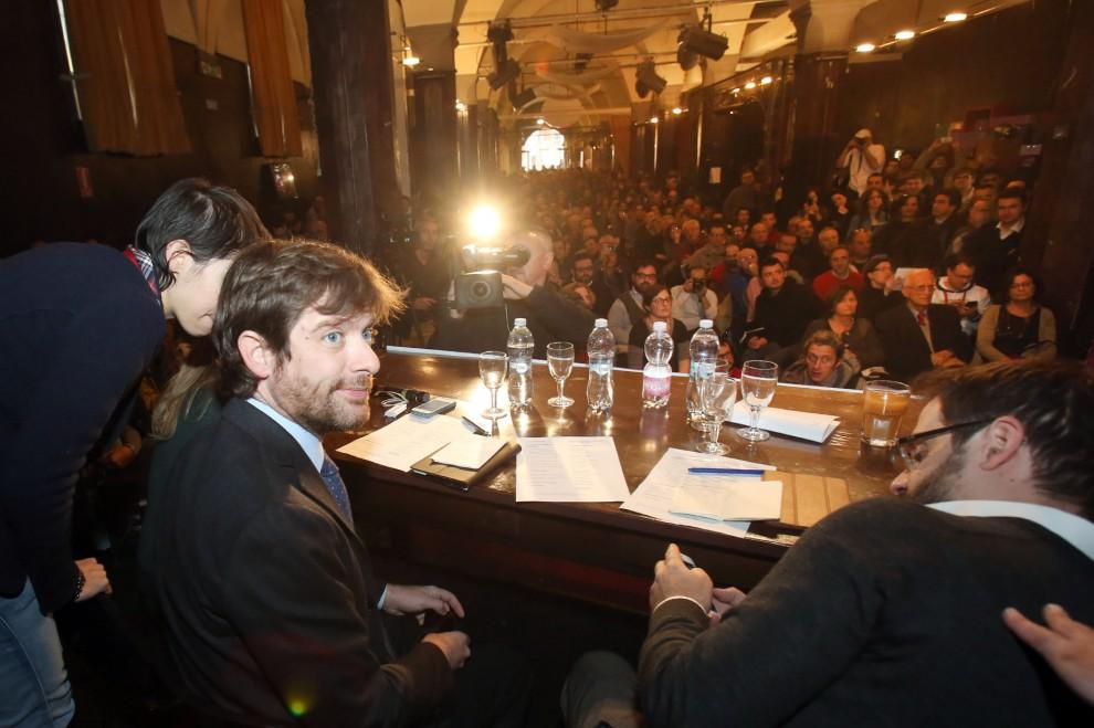 """Civati sigla a Bologna il """"Patto del non Nazareno"""""""