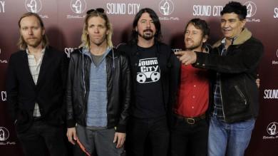 Mille musicisti in concerto allo stadio per invitare i Foo Fighters a Cesena