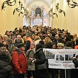 I lavoratori della Provincia invadono Palazzo d'Accursio Il governatore: nessuno  perderà il posto   foto