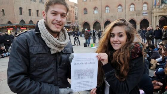 """Lezione in piazza contro la """"Buona scuola"""" di Renzi"""