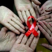 Inchiesta sui siti che aiutano a contrarre il virus dell'Hiv