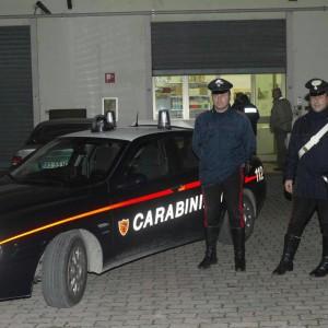"""Anziana ruba delle maglie per il freddo, i carabinieri la """"perdonano"""""""