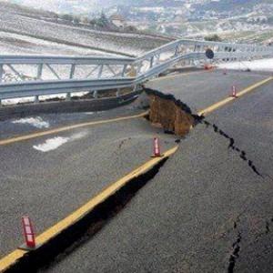Crolla ponte in Sicilia, bufera sulle coop