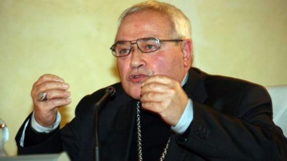 """""""La crisi è colpa dell'aborto"""": bufera sul vescovo di Ferrara"""