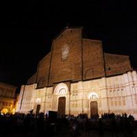 Anche Bologna s'illumina di meno