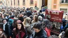 """Via d'Azeglio si riempie  di fan de Il Volo """"Ci trasferiamo qui"""""""