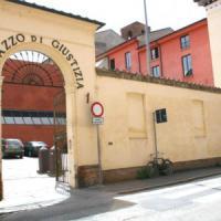 Ferrara, avvocati in rivolta: ''Rivogliamo il crocifisso nelle aule del