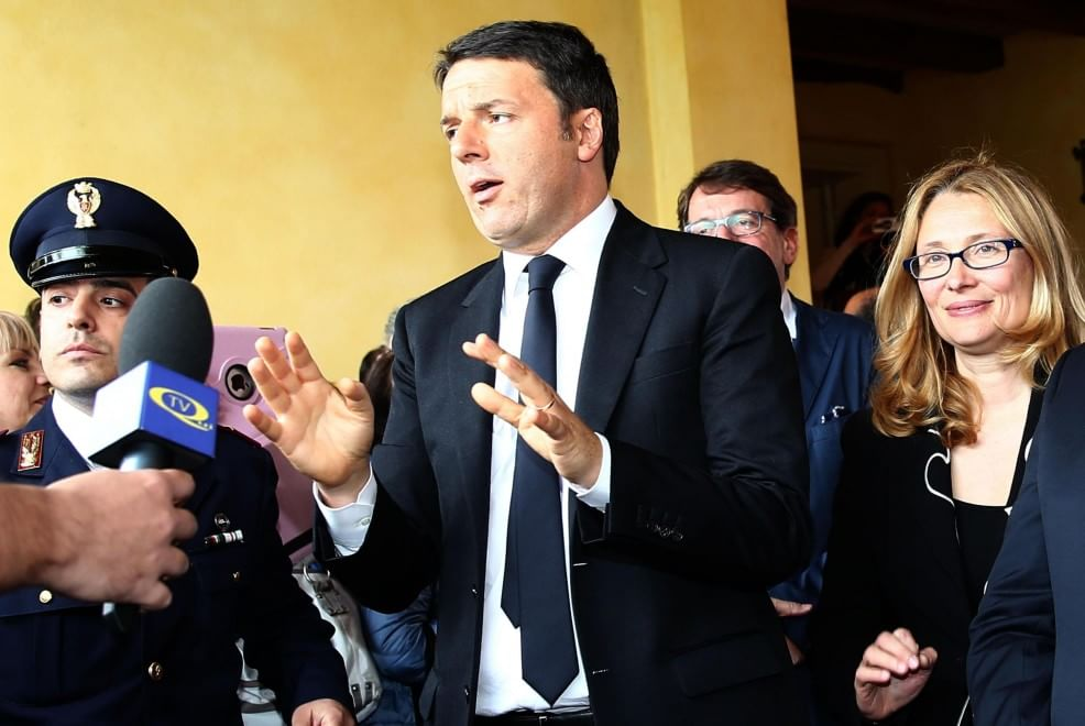 Renzi visita la casa-museo di Pavarotti