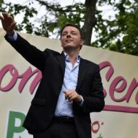 """Renzi: """"Non mi spaventano i fischi"""". Poi incontra i precari della scuola"""
