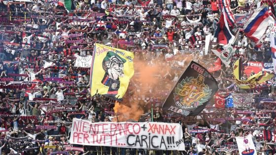 Calcio stadio vietato ai migranti il permesso di for Ritiro permesso di soggiorno bologna