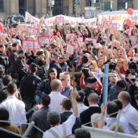 Antiabortisti, sit-in nazionale a Bologna: nove ore di preghiera davanti all'ospedale