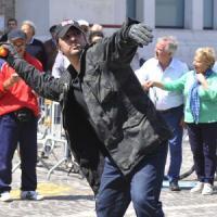 Pesaro: uova e pomodori contro Salvini