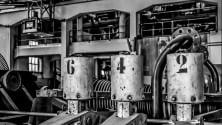 Acciaio e silenzio: viaggio nell'ex fabbrica elettrica