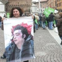 """La mamma di Federico Aldrovandi: """"Ritirerò le querele contro Giovanardi e un agente"""""""