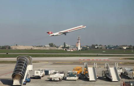Sciopero compagnie aeree, voli cancellati al Marconi ...