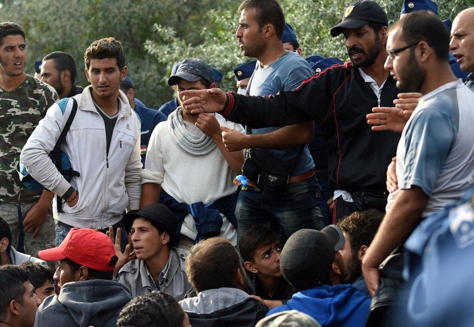 Gianni morandi ospitare i profughi in casa ci sto for Ospitare in casa