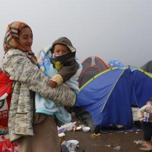 """La Curia di Bologna: """"Non accoglieremo profughi appena arrivati"""""""