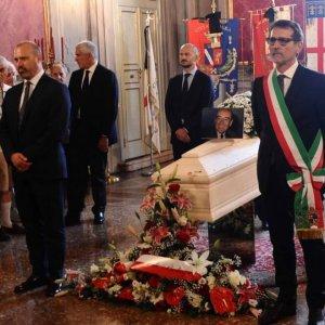 """Zangheri ricordato alla Camera, Bersani: """"Servirebbe ora, dio solo sa quanto"""""""