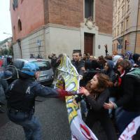 Corteo studentesco, scontri con la polizia