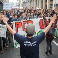 Studenti in piazza per