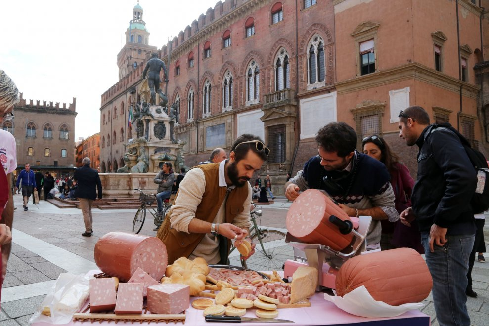 """Tra chef e Ape car, Bologna celebra la """"sua"""" mortadella"""