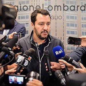 """La marcia su Bologna di Salvini: """"Le zecche rosse non ci fermeranno"""". E non chiude a Casapound"""