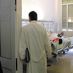Ferrara, falso medico per 37 anni: l'Ordine lo cancella dopo la pensione