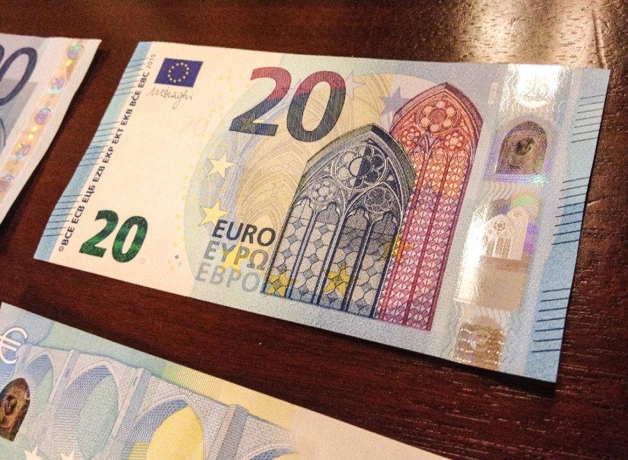 Arriva la nuova banconota da 20 euro, la più falsificata. In Emilia 6.600 sequestri in sei mesi