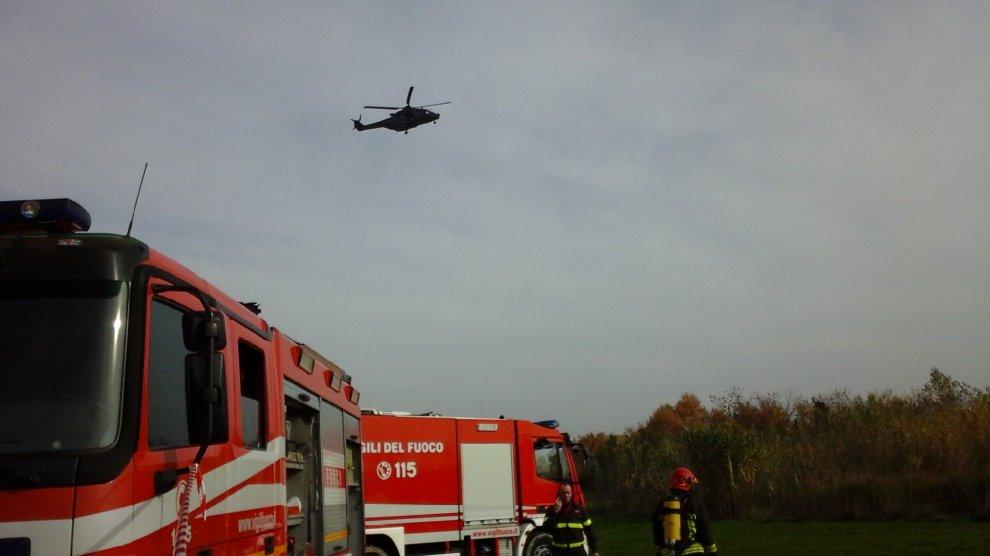 Elicottero Bologna Oggi : Cade elicottero dell esercito durante un esercitazione
