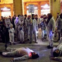 Bologna, il flashmob per dire
