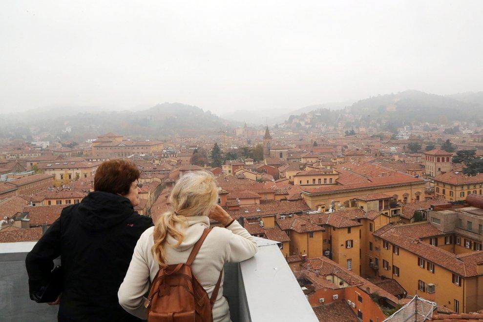 Vista da qui, è ancora più bella: Bologna dalla terrazza di San ...