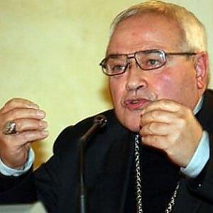 """Frase shock del vescovo di Ferrara: """"Bergoglio deve fare la fine di quell'altro"""""""