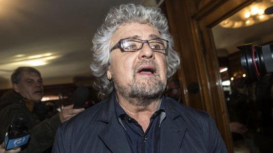 """""""Quel sindaco Pd stima il boss"""": Grillo contro il primo cittadino di Brescello"""